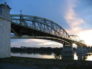 Művészeti verseny: Mária Valéria híd