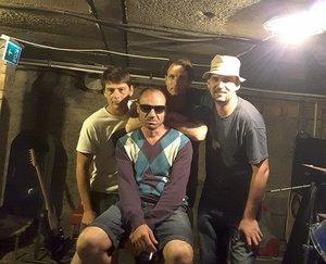 Öcsi és a verebek: új kesztölci zenekar