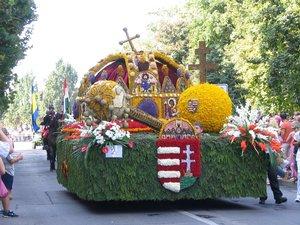 Esztergomból indul a Szent Korona Debrecenbe