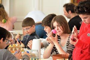 Korbács, kalács, tojás: húsvéti népszokások Kesztölcön