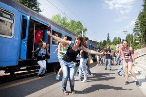 Komáromba és Esztergomba is ingyen utazhatnak vonattal az iskolás csoportok