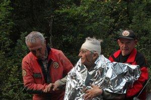 Eltévedt, sérült gombászokat mentettek Klastrompusztánál