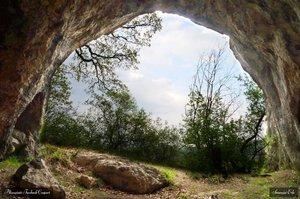 Turistaút a pilisi ősember barlangjához