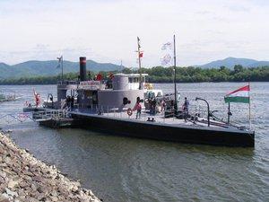 Legendás hadihajó Esztergomban