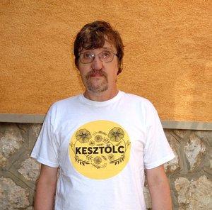 Makovics János verseit Kara József adta elő