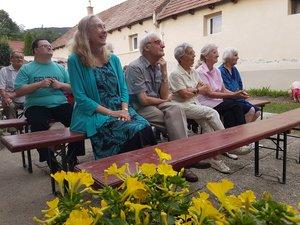 A közönség soraiban ifj. Kochnyák Sándor, Nyilasi Donna, Bárkányi Zoltán, és felesége, Teréz