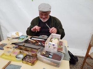 A galamblelkű Végh Sanyi bácsi kézművesfoglalkozást tartott