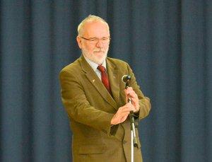 Vöröskői István polgármester az időseket köszönti