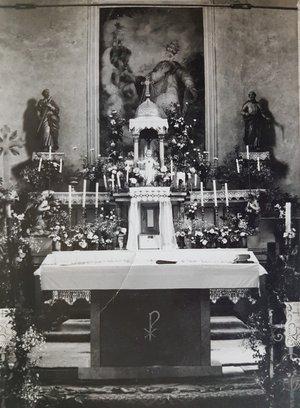 Az oltár a hatvanas években