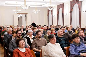 A Szent Adalbert Központ nagytermét megtöltötték az érdeklődők
