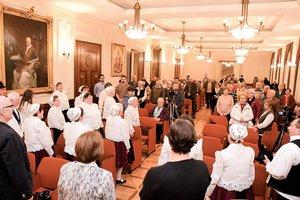 A Pilisi Himnuszt a résztvevők együtt énekelték el