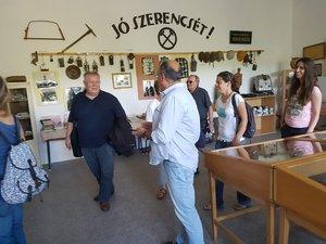 A leszármazottak a kesztölci Helytörténeti Múzeumban.