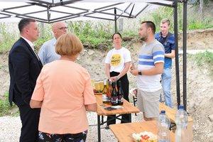 Orlovits Gábor a Kostel panzió és étterem terveit vázolta a kamara elnökének