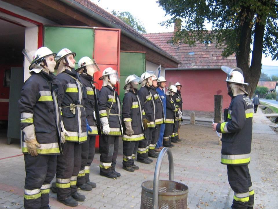 Image result for kesztölc önkéntes tűzoltók