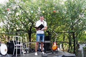 Kara József Makovics János Kesztölc című versét szavalja