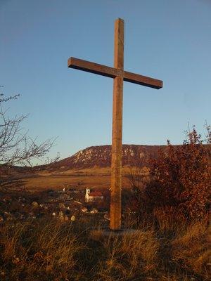 Árpád kori templom - kereszt