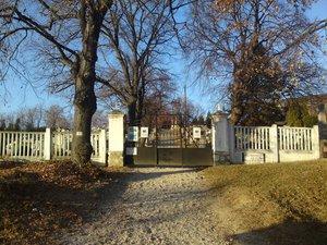 A kesztölci temető
