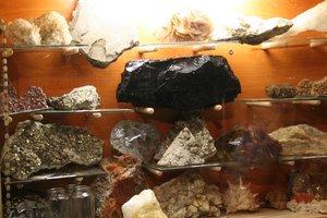 Lencsehegyről való kőgyűjtemény.